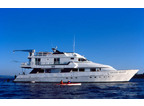 Luxury Charter Motor Yacht Safari Quest